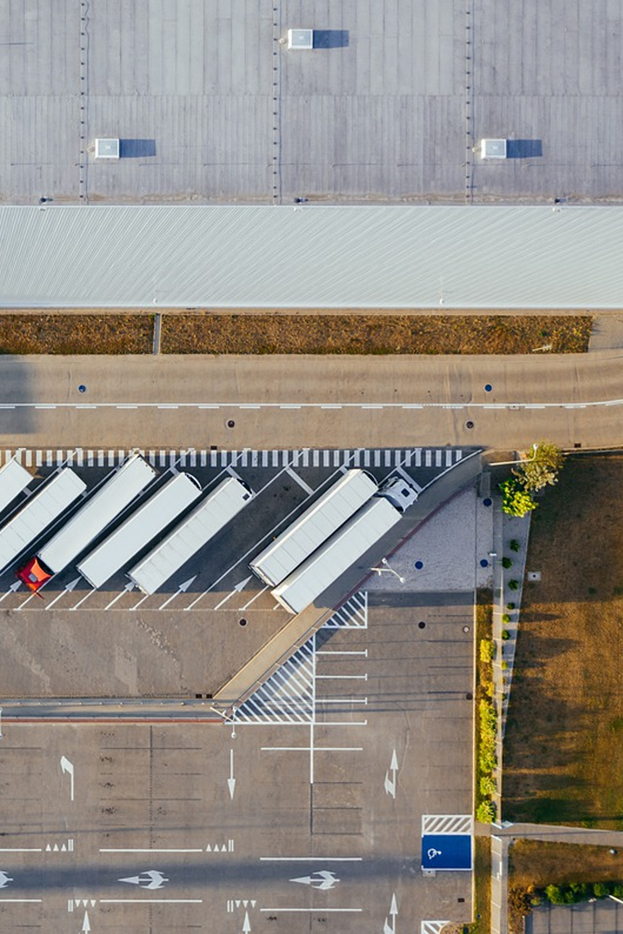 parking camions industrie